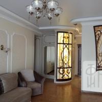 Дизайн-проект. Квартира. Авторская мебель.Витраж